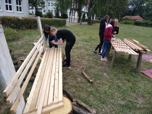 Schulprojekt Nachhaltigkeitsbank, Carl-Diercke-Schule Kyritz, Montage