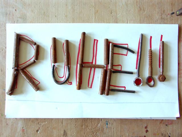 Kunst an Schulen - Schreiben mit Schrott